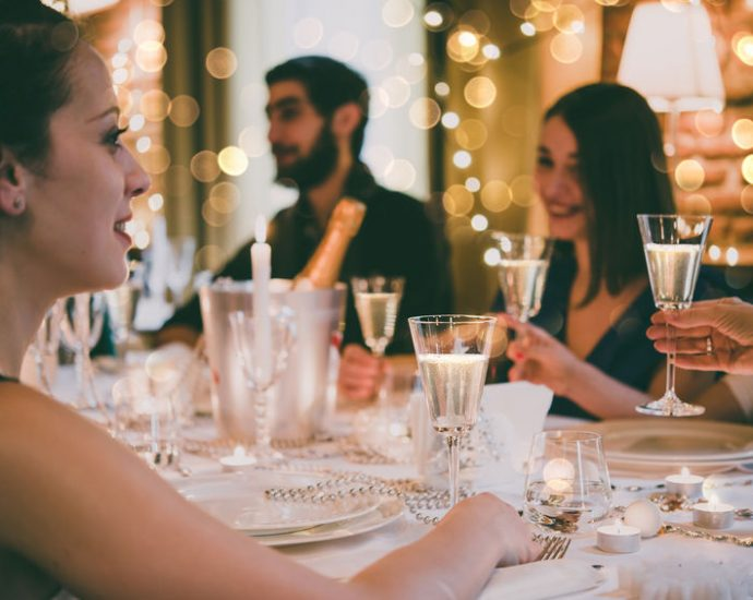 Perfectly hosting private parties in a restaurant